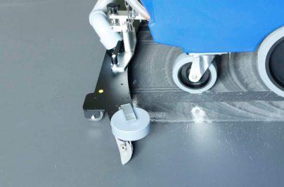 RA-hl-02-scrubber-dryer-floor-scrubber-cleaning-machine-superb-suction-800x500
