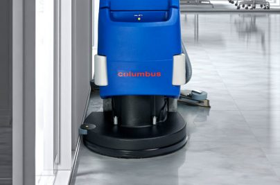 RA55BM40-hl-03-reinigungsautomat-scheuersaugmaschine-randnah-reinigen-800x500