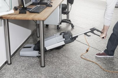 SC100_under table